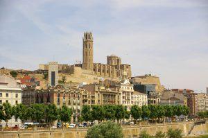 Lleida_-_La_Seu_Vella_(des_de_Cappont)